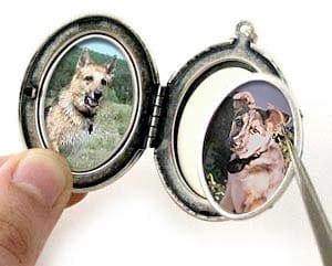 Free Locket Photo Insertion with Heartsmith Coupon Code!